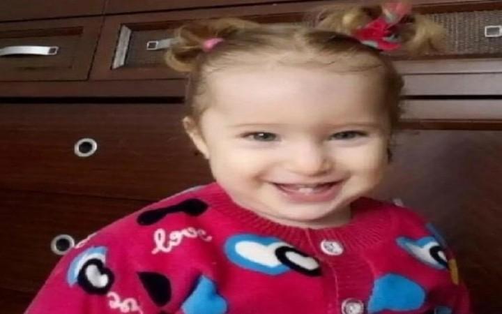İzmir'de 65 saat sonra enkazdan  Elif bebek sağ çıktı