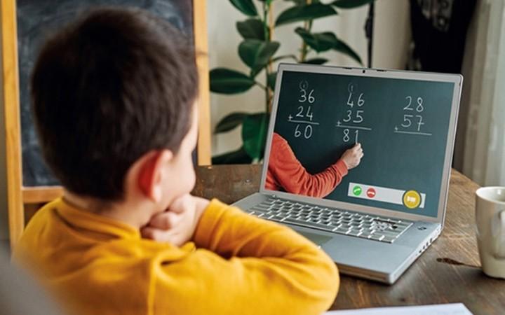 Online  Eğitim Koronavirüs Nedeniyle   Arttı